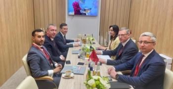 ПМЭФ: губернатор Омской области и президент AB InBev Efes обсудили развитие партнерства